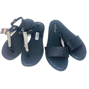 2 pairs of sandals size 7/8